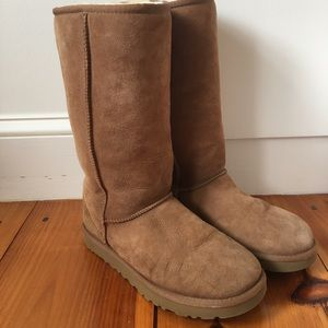 UGG boots classic tall II chestnut SIZE 9